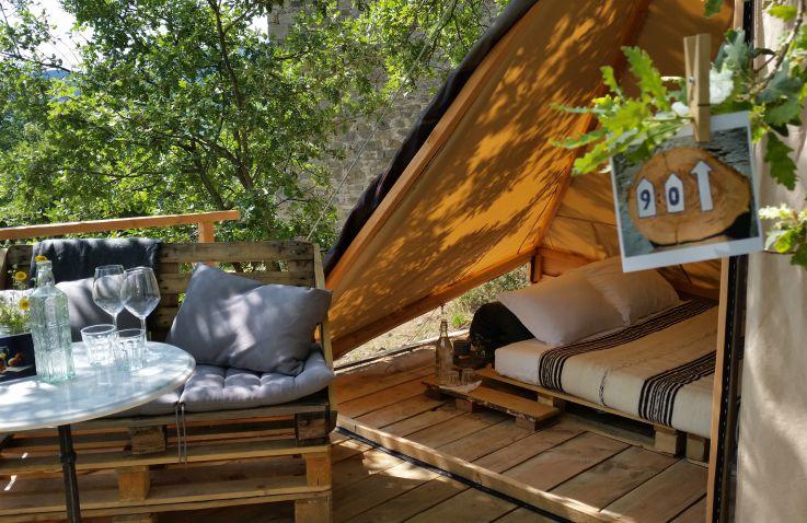 baumh user mieten mieten sie ein luxus baumhaus in europa. Black Bedroom Furniture Sets. Home Design Ideas